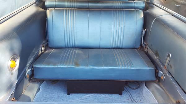'68 Catalina wagon 3rd row