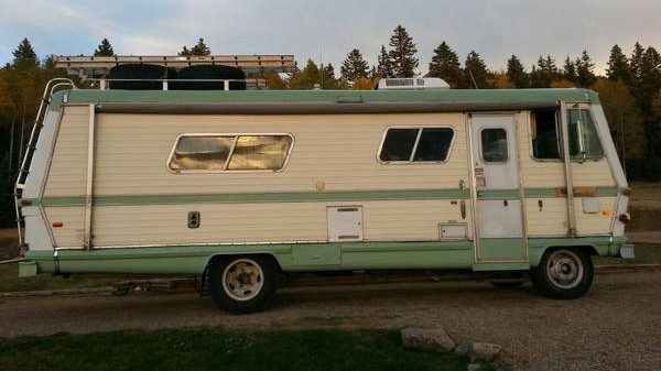 '78 RV right side