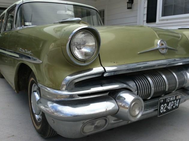 '57 Pontiac Star Chief Safari front