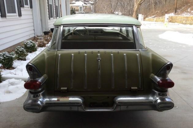 '57 Pontiac Star Chief Safari rear