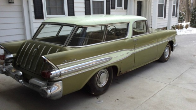 '57 Pontiac Star Chief Safari right side