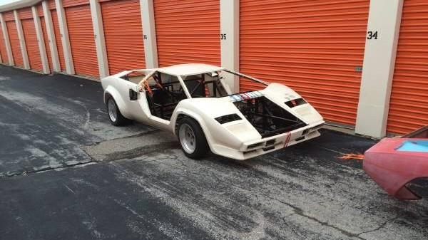 Lamborghini Countach front right