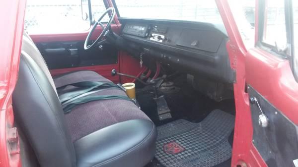 Power Wagon interior 2 seat belts