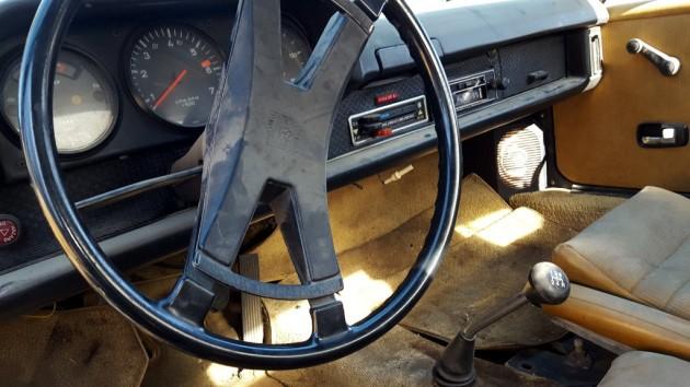 1975 Porsche 914 Interior
