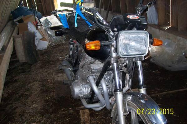 '78 Yamaha right