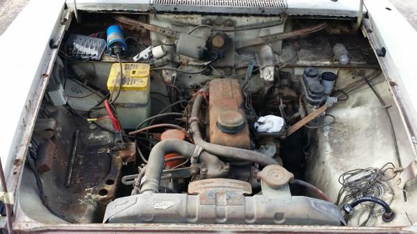 Barn Finds - 1967 Datsun 411 2