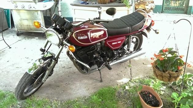 040816 Barn Finds - 1977 Yamaha XS750D - 3