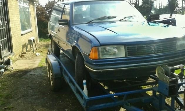 040916 Barn Finds - 19xx Peugeot 305 Van - 2