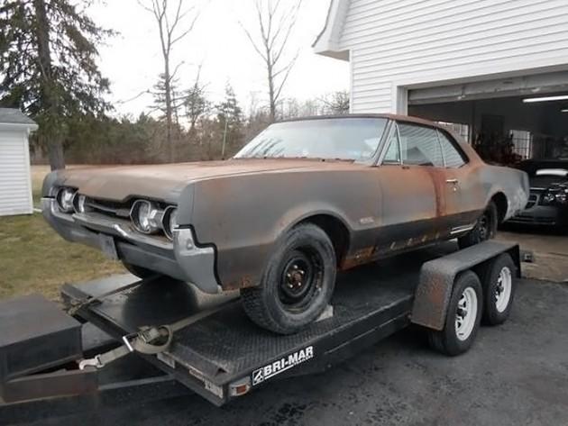 041116 Barn Finds - 1967 Oldsmobile 442 - 2