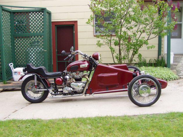 041216 Barn Finds - 1963 Triumph Bonneville - 2
