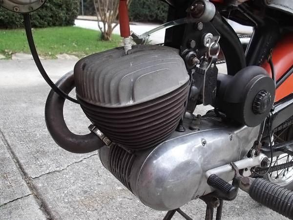 041216 Barn Finds - 1969 Harley Davidson Rapido - 5