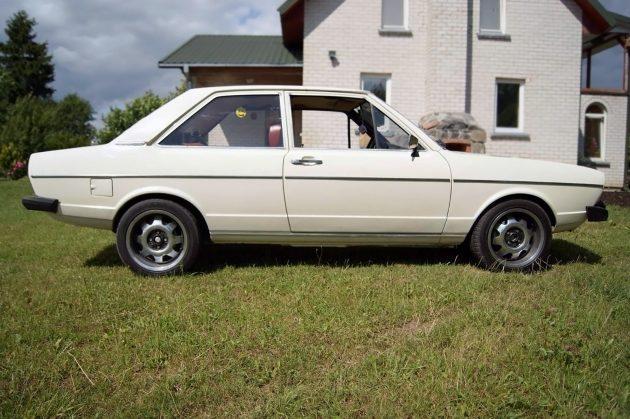 041516 Barn Finds - 1975 Audi 80L - 3