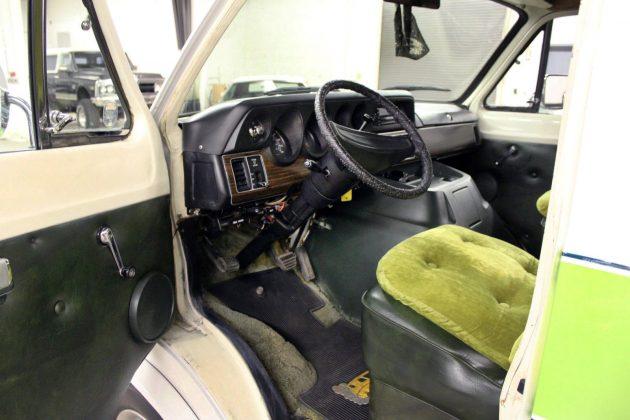050516 Barn Finds - 1978 Dodge Van - 4
