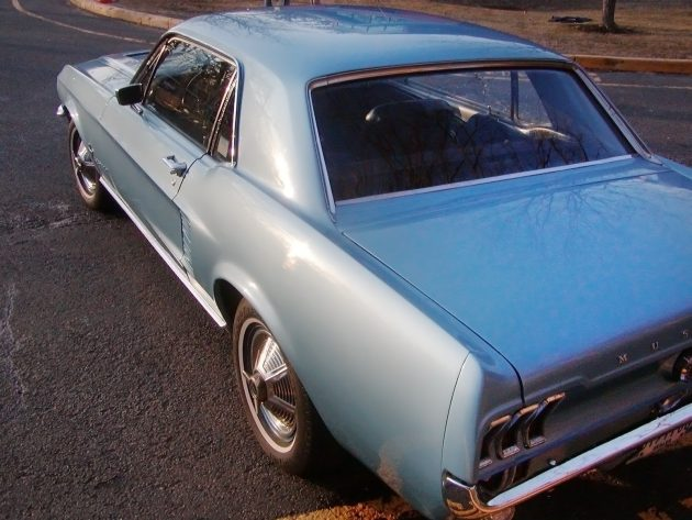 051016 Barn Finds - 1967 Ford Mustang - 3