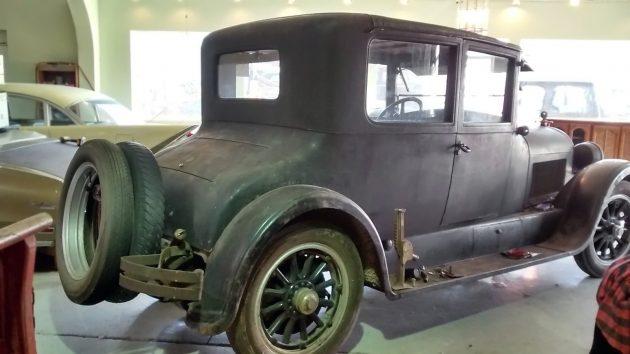 051116 Barn Finds - 1923 Cadillac Victoria - 3