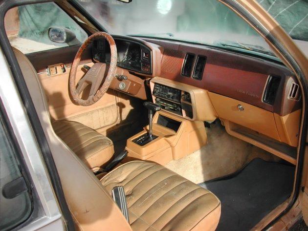 051216 Barn Finds - 1982 Isuzu iMark diesel - 4