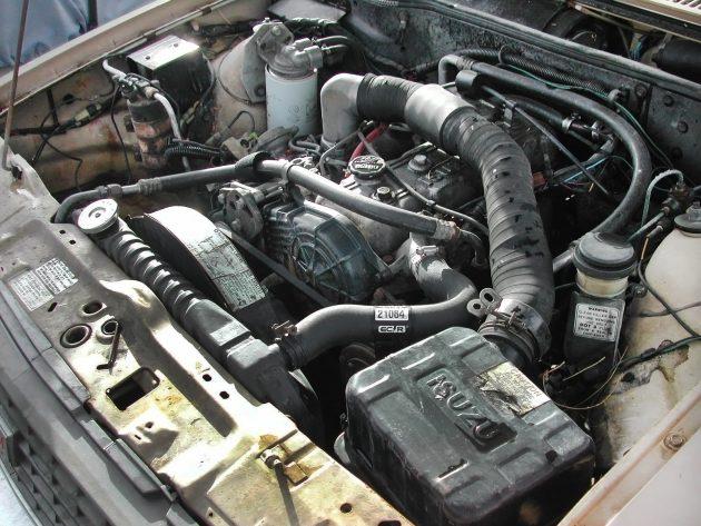 051216 Barn Finds - 1982 Isuzu iMark diesel - 5