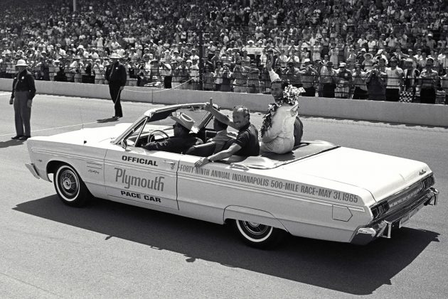 1965-Plymouth-Sport-Fury-pace-car