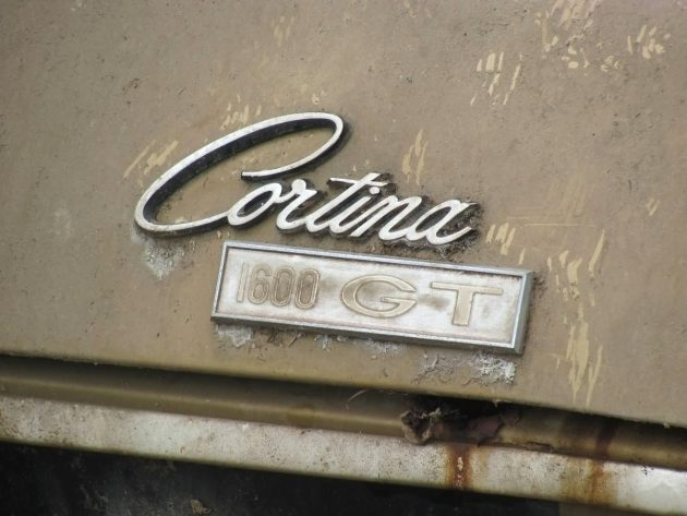 092516-barn-finds-1969-ford-cortina-gt-3