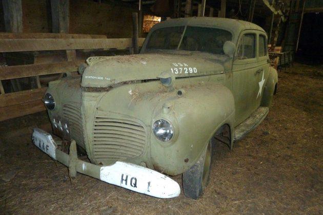 1941-plymouth-p11-staff-car