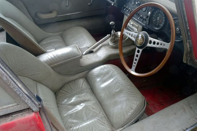 jaguar-e-type-interior