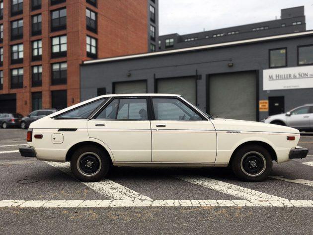 100116-barn-finds-1980-datsun-510-hatchback-3