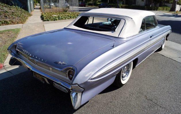 1961-oldsmobile-starfire