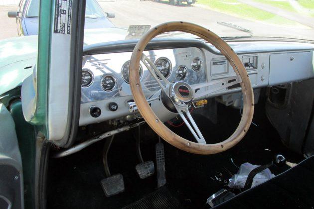1962-gmc-dash