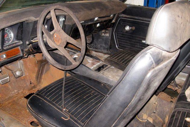 1969-camaro-z28-interior