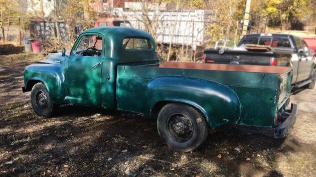 112016-barn-finds-1952-studebaker-2r11-pickup-3