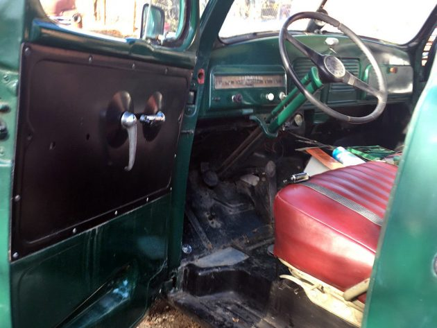 112016-barn-finds-1952-studebaker-2r11-pickup-4