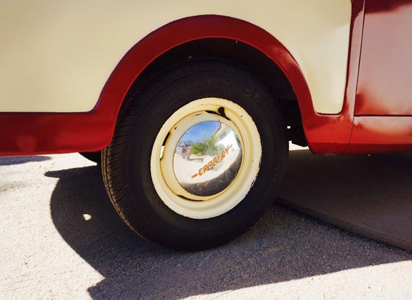112116-barn-finds-1948-crosley-pickup-3