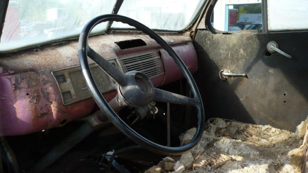1940-ford-coupe-interior