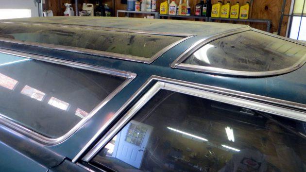 1966-oldsmobile-vista-cruiser-skylights