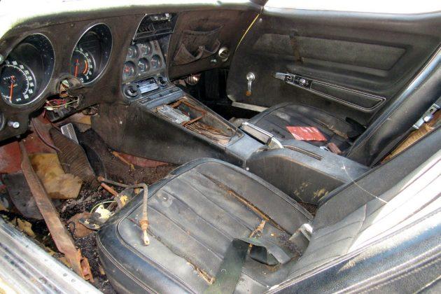 1969-corvette-427-interior