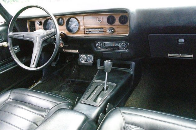 1970-pontiac-firebird-formula-400-interior
