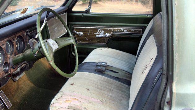 1972-chevrolet-c10-interior