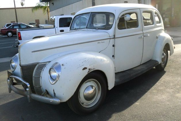 40-ford-deluxe-1