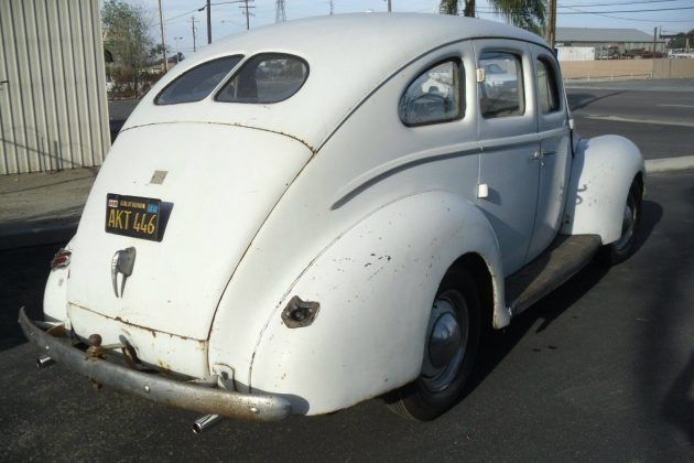 40-ford-deluxe-2