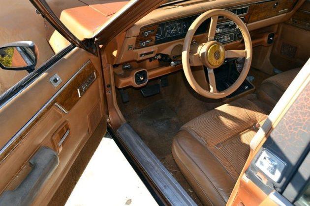 1986-amc-eagle-wagon-interior