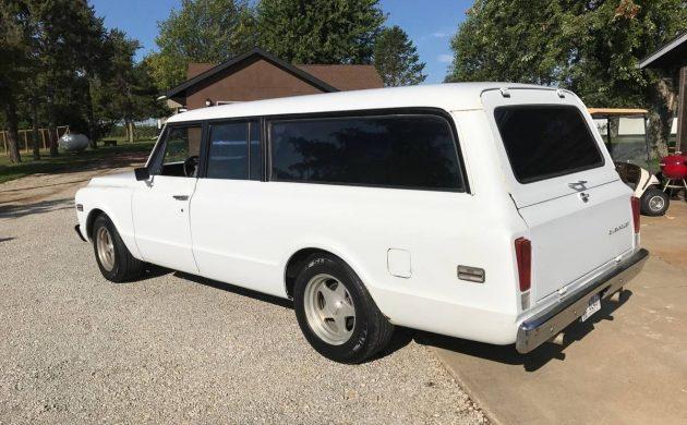 1972 Chevy Suburban C-10