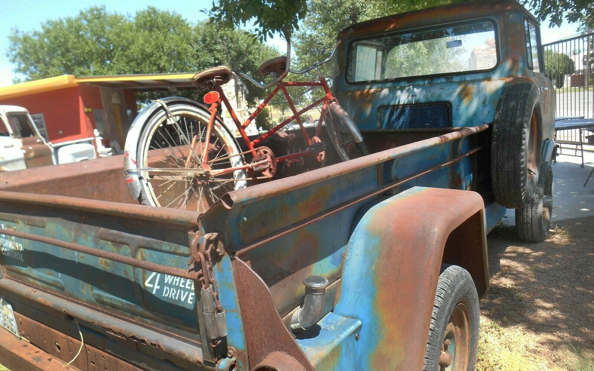 052120-1960-Jeep-FC-170-3.jpg