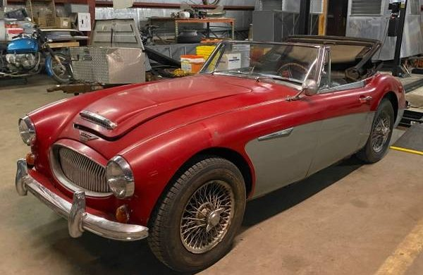 Big Healey Garage Find 1965 Austin Healey Mkiii Bj8