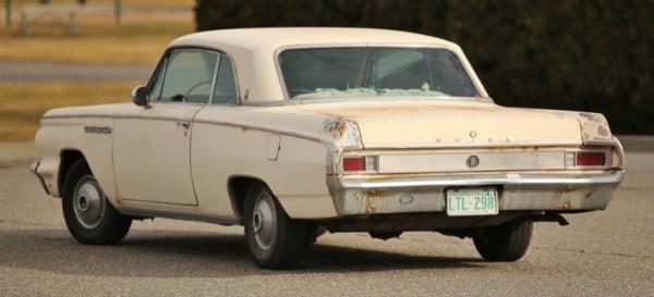 barn-bird-1963-buick-skylark-rear-corner