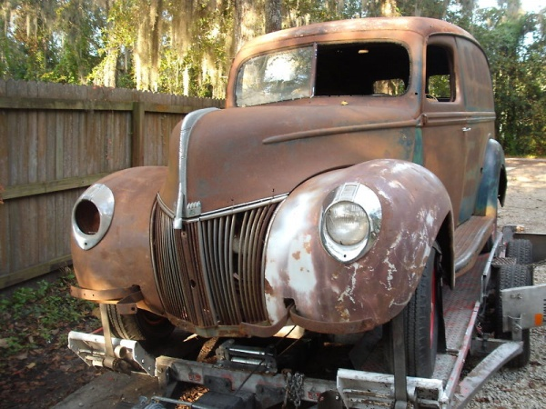 barn-find-1940-ford-panel-van-grill