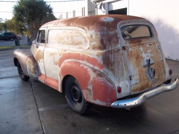 barn-find-1948-chevrolet-panel-van-rear-corner