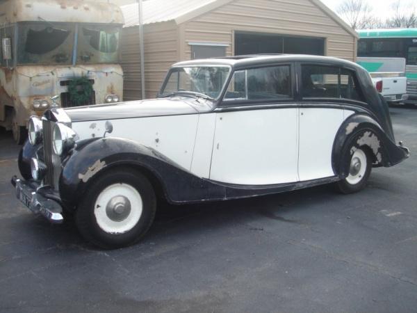 farm-rolls-1949-rolls-royce-silver-wraith-side-view
