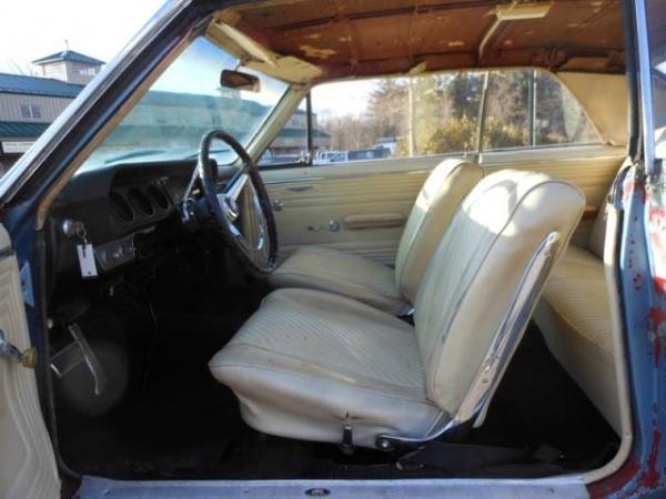 rust-goat-1965-pontiac-gto-interior