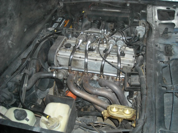 survivor-1975-cosworth-vega-twin-cam-engine